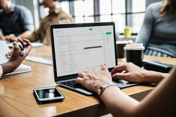 Trabalhar uma lista de emails poder ser essencial para um negócio